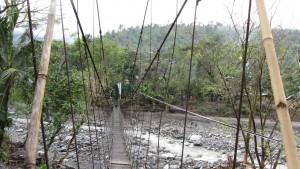 """""""Hängebrücke im D0rf"""